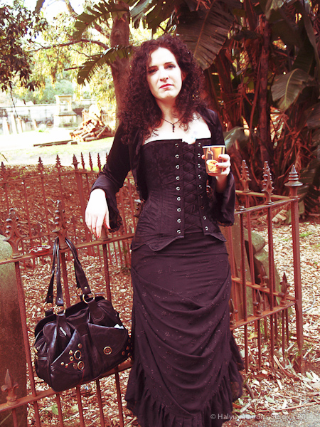Gothic tea break in cemetry